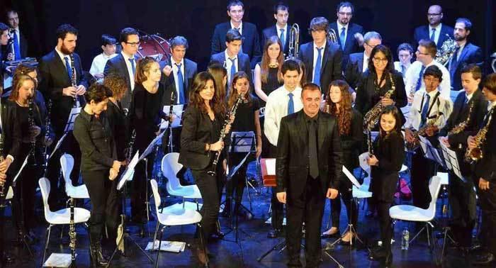 La Banda de Música de Villaviciosa actua estas Navidades.