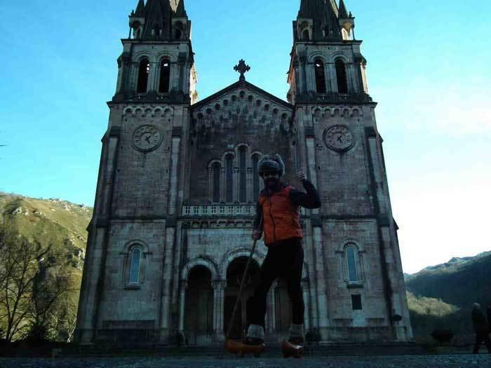 A Covadonga en madreñes