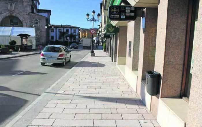 Todas las aceras de la Avenida Covadonga llevarán el mismo pavimento.