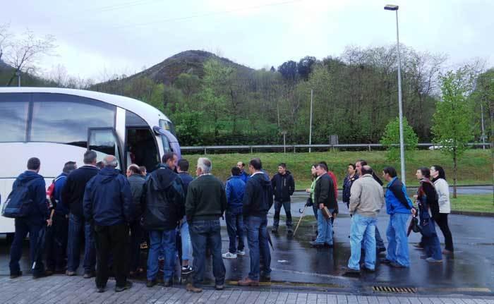 Los ganaderos asturianos se han citado hoy, a las 11 horas, junto a la sede de la Presidencia del Principado, en Oviedo