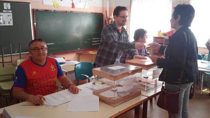 Domingo de elecciones y fútbol