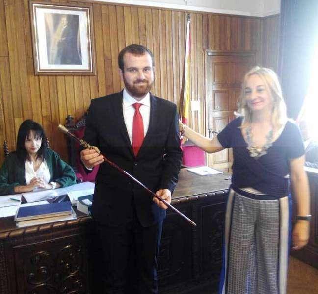 Iván Allende tomó posesión en Piloña