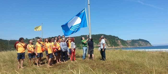 Villaviciosa acogió el acto de entrega de las banderas azules asturianas