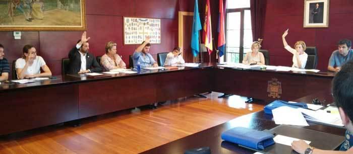 Las liberaciones salieron adelante con los votos de IPÑ, Conceyu y Foro.