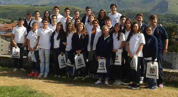 Hijos de la emigración visitan el concejo de Llanes