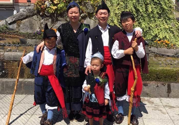 La familia Chen, el domingo en Arriondas