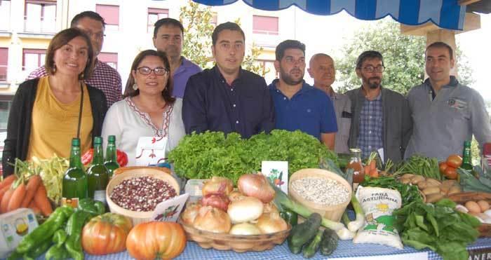 El alcalde, Gerardo Sanz, presentó las citas agrícola y ganadera.