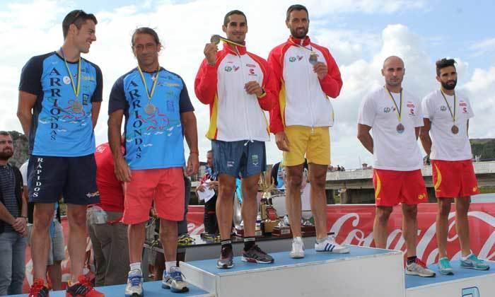 Pódium de la categoría K-2 Senior, con Walter Bouzán y Álvaro F. Fiuza en lo más alto