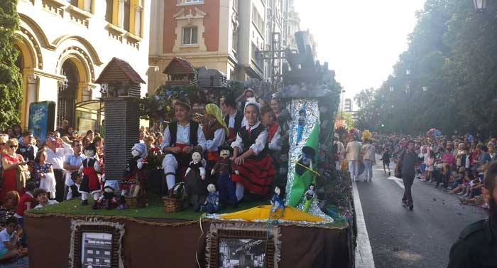 De La Peruyal de Arriondas, a Oviedo.