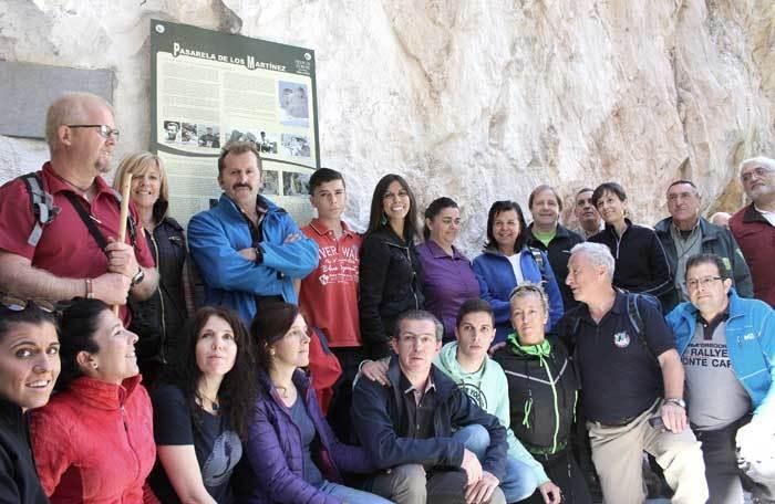 Foto de familia en la Senda.