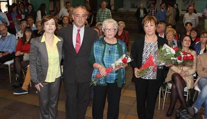La viuda y su hijo agradecieron el cariño de los asistentes.