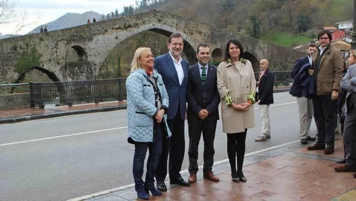 Mariano Rajoy en el Puente Romano.