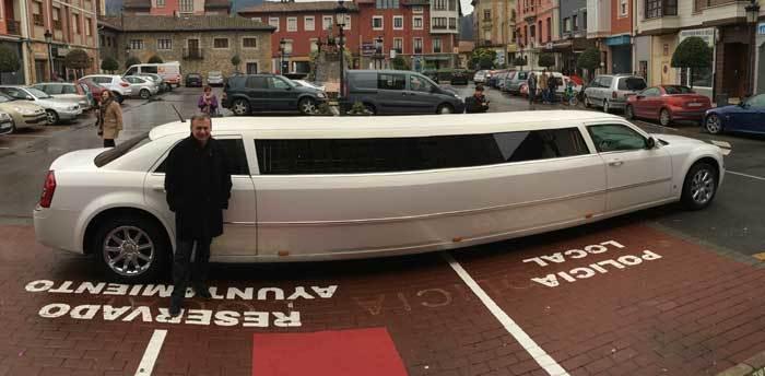 ¿El nuevo coche oficial del alcalde de Parres?