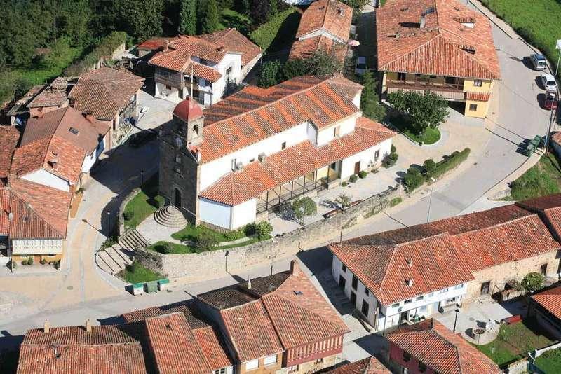 Torazu recoge su acreditación como uno de los Pueblos más bonitos de España