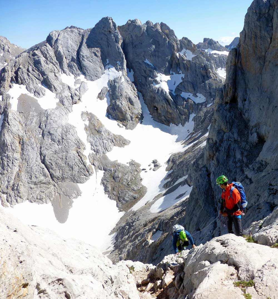 El Mejor Viaje de Aventura en España es la escalada al Picu Urriellu de la mano del Guía Fernando Calvo