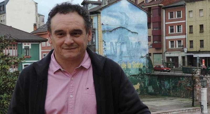 Juan Cañal, alcalde de Nava.