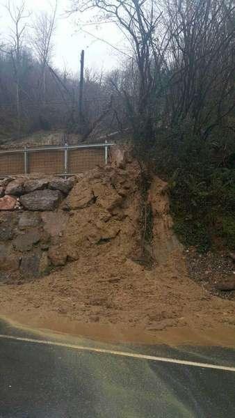 El argayu de El Repelao, en Covadonga, vuelve a dar problemas