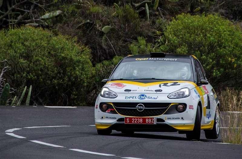 Pódium para el piloto colungués Vallín en el Rally de Adeje