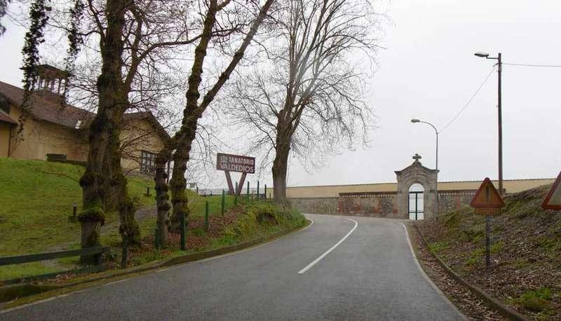 Villaviciosa proyecta una senda peatonal hasta el cementerio y el tanatorio