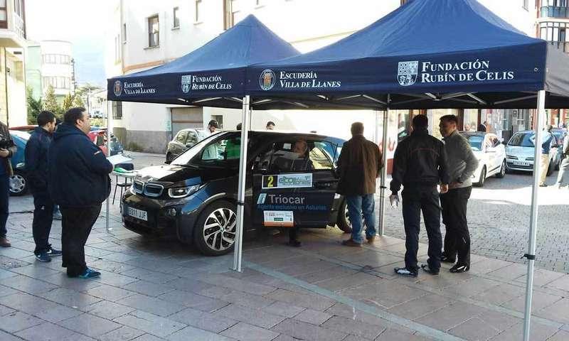 Ya ruedan los participantes en el primer Eco Rally Villa de Llanes
