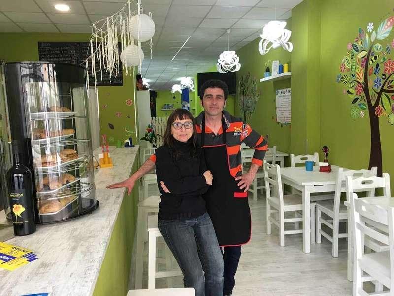 Maribel y Nacho en la Cafetería Veo Veo.