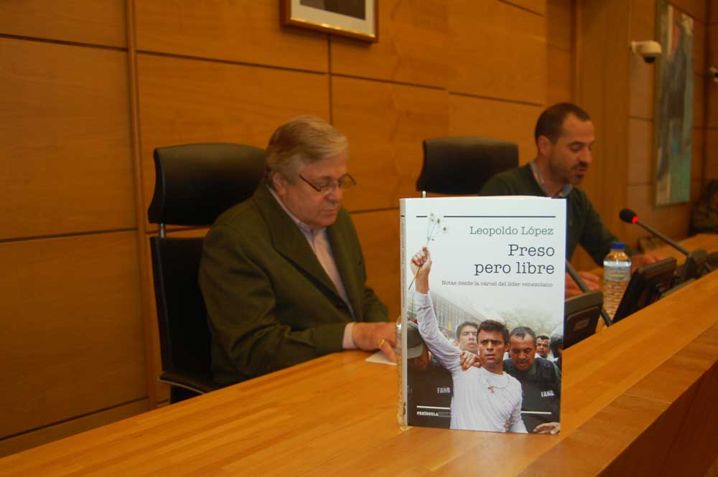 FOTOS de la visita del venezolano Leopoldo López Gil a Pola de Siero