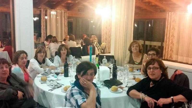 Asistentes a la cena de viejos amigos del Cobayu.