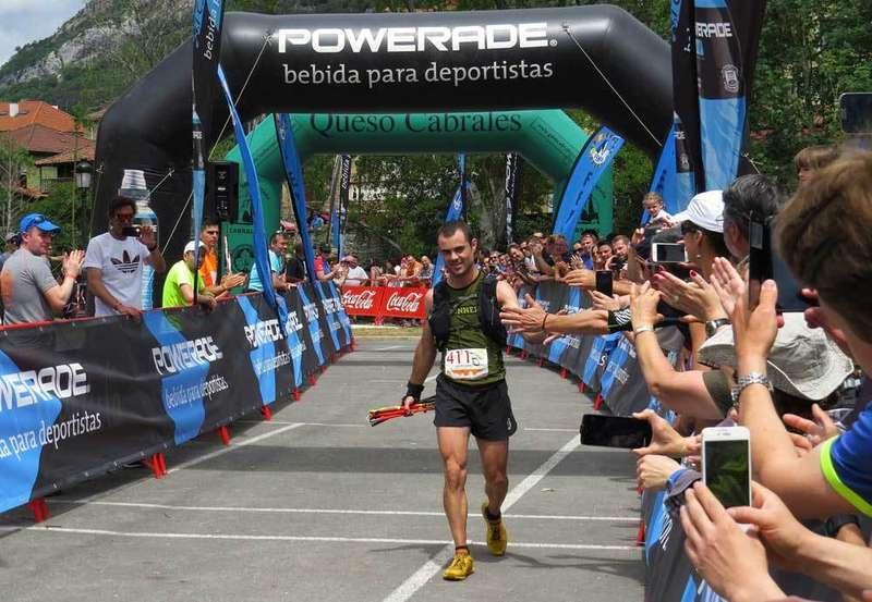 VÍDEO. Antonio Blanco entrando en la meta como ganador de la Travesera