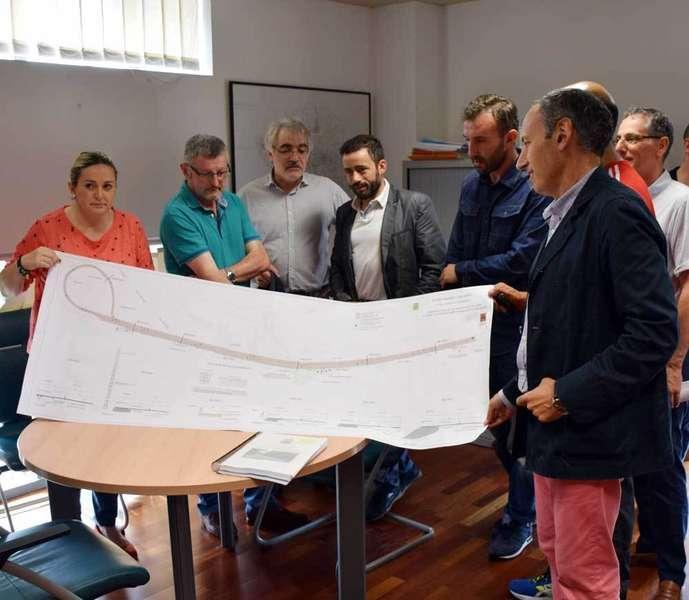Circuito para atletas y ciclistas en La Pola