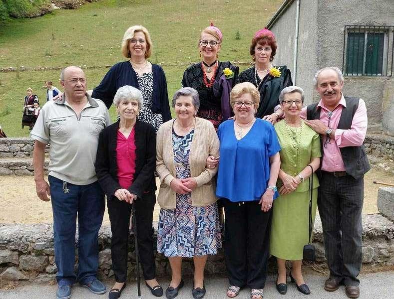 Los nueve hermanos Herrero Campo, en Tielve