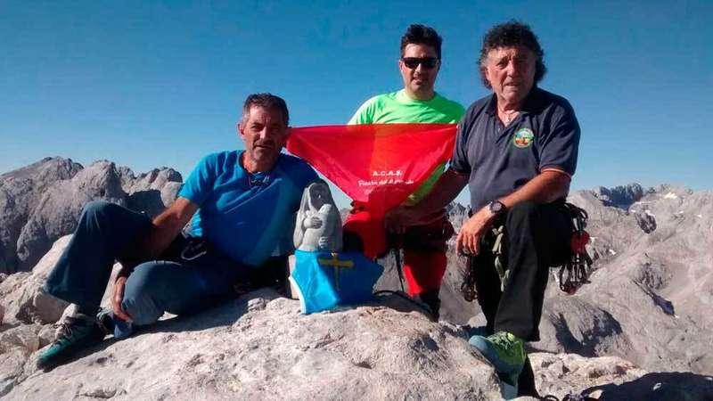 Pérez, Cordero y Bernabé Aguirre en El Urriellu.