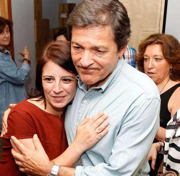 Adriana Lastra y Javier Fernández.