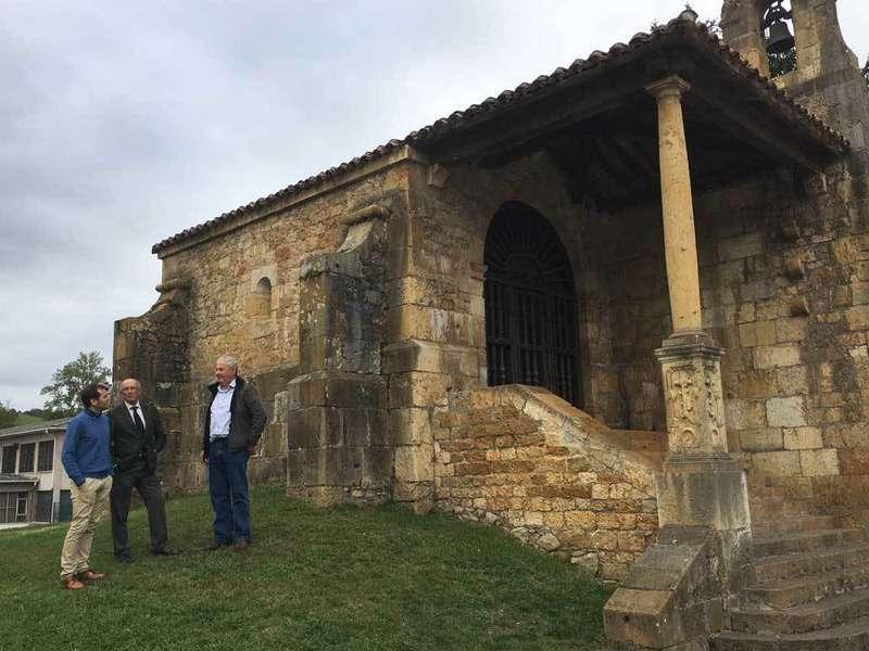 González Castro y Fernández visitaron la capilla.