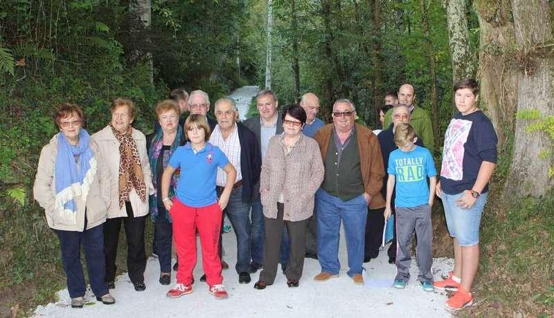 Vecinos y autoridades, de inauguración en Bode.