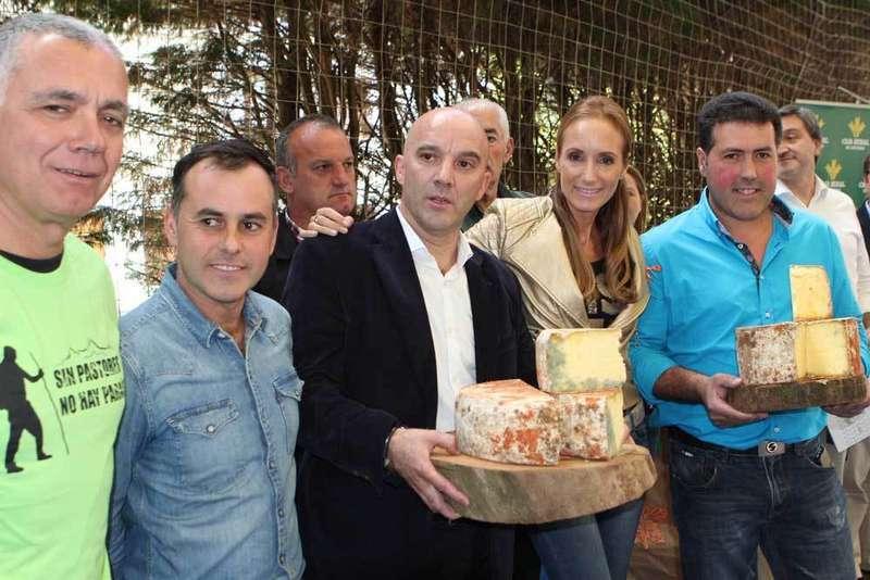 Rubio con los quesos, los queseros, Lucas e Ibarra.