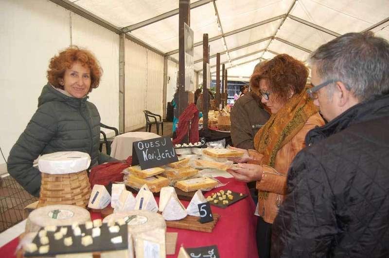 Uno de los puestos de queso del Mercado.