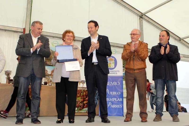 Bode recogio el Premio Pueblo Ejemplar de Parres