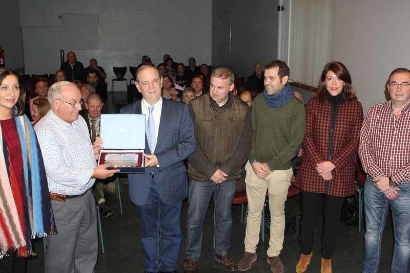 Ángel Lueje agradeció el reconocimiento de El Esmerillón