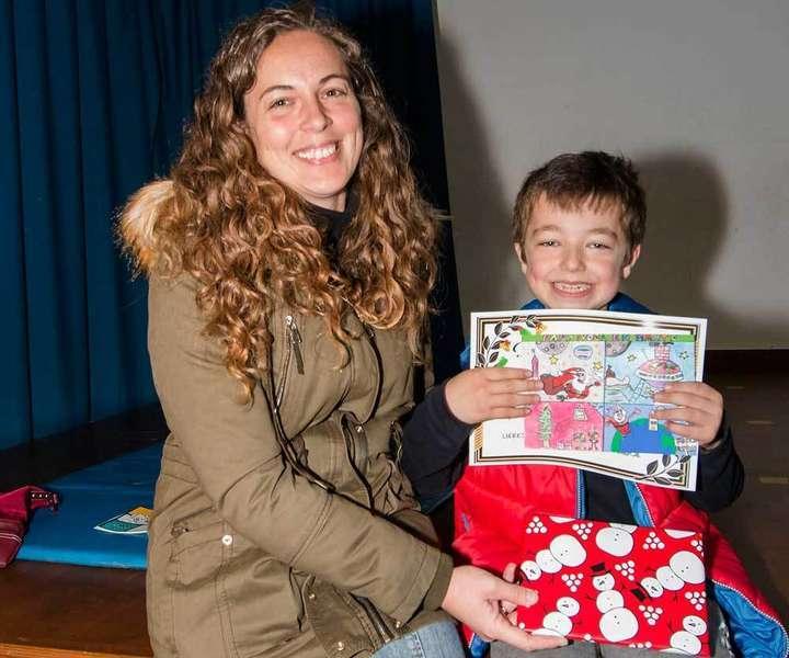 Alejandro Díaz gana el concurso de Felicitaciones Navideñas del Colegio Xentiquina de Lieres