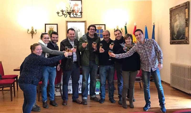 Brindis navideño de alcaldes y concejales de la Mancomunidad.