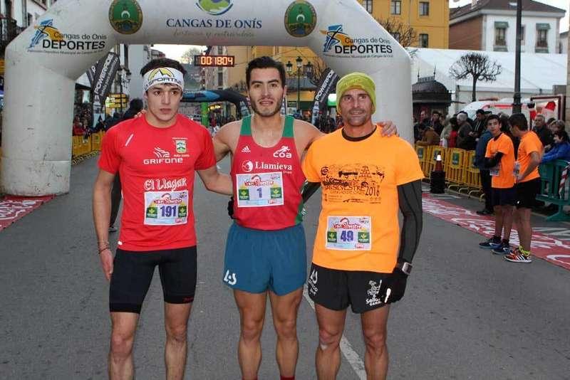 Por la izquierda: Pablo Sierra, Juanjo Somohano y Emilo Llamedo.