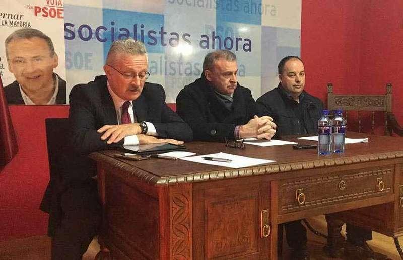 El PSOE pide al Ministerio de Fomento la reparación del puente Emilio Llamedo