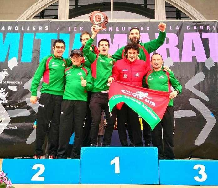 medalla de bronce para el club oriente atletismo en el nacional de media maratón