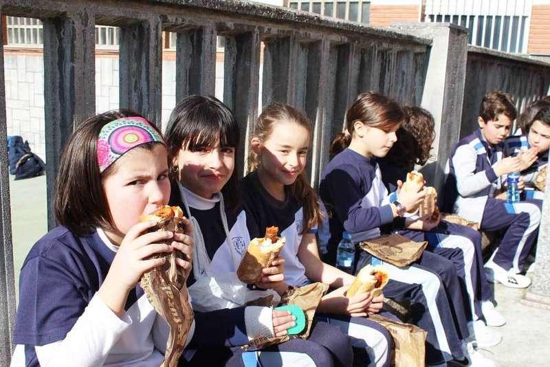 operación bocata en el colegio nuestra señora de Covadonga de Noreña