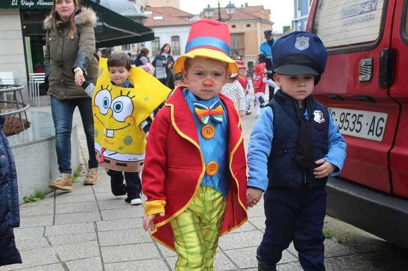 FOTOS del Carnaval de los alumnos de Infantil y de 0 a 3 años de Noreña