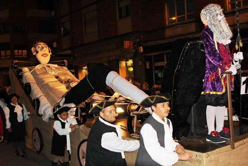 Trump y los Viajes de Gulliver triunfan en el Carnaval de Arriondas