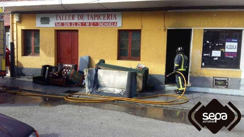 incendio-lugones-bomberos-asturias