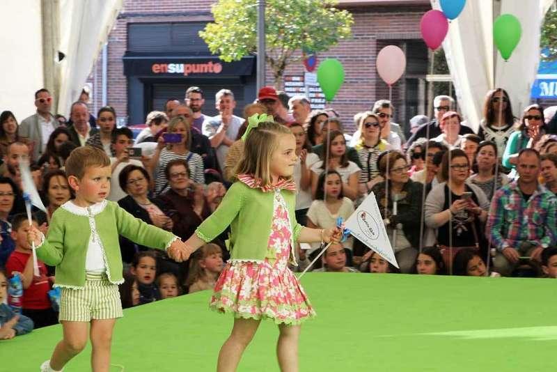 FOTOS del Desfile de moda infantil de Arriondas