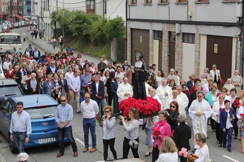 Arriondas salió con Santa Rita en procesión