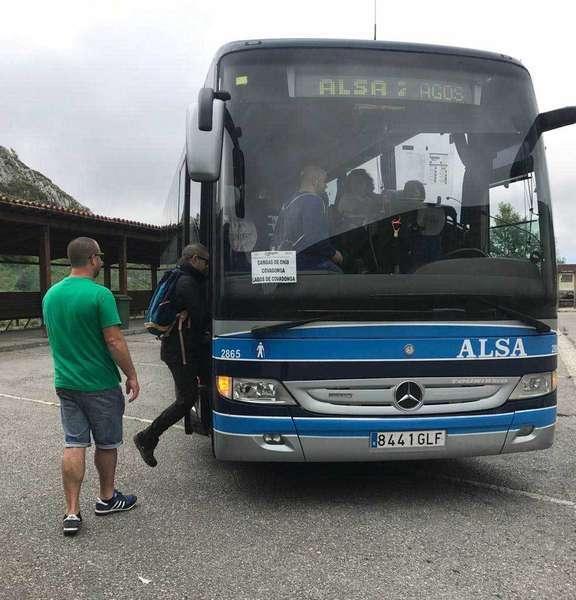 800 usuarios el primer dia del Plan de Transporte Público a Los Lagos de Covadonga